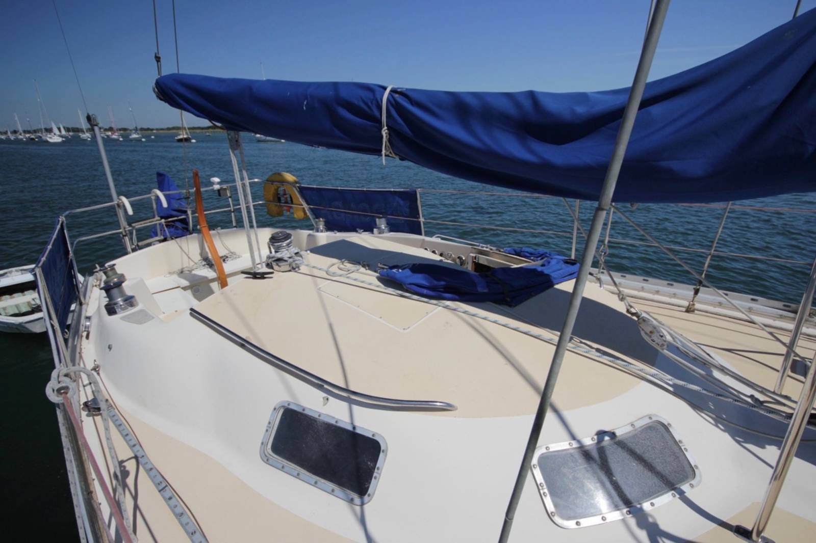 Offshore 34 1975 cruising yacht for sale in chichester for Mirror yacht