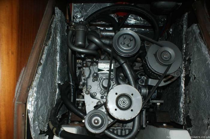 Elan 333 cruiser racer engine
