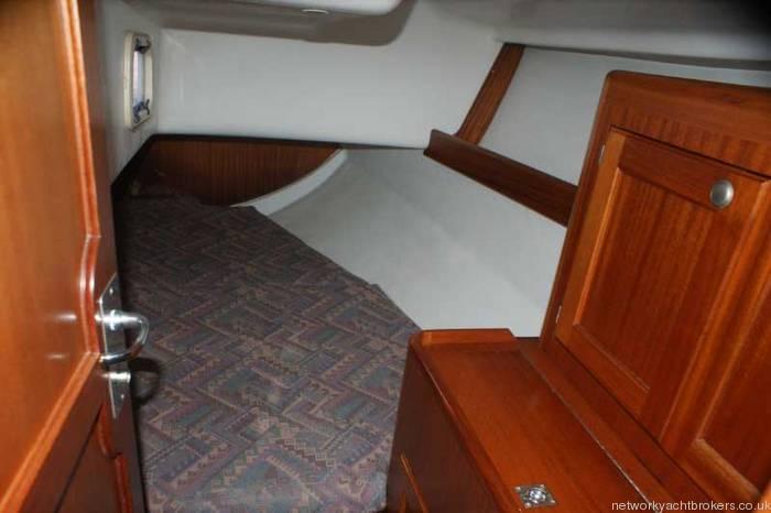 Elan 333 cruiser racer rear double cabin