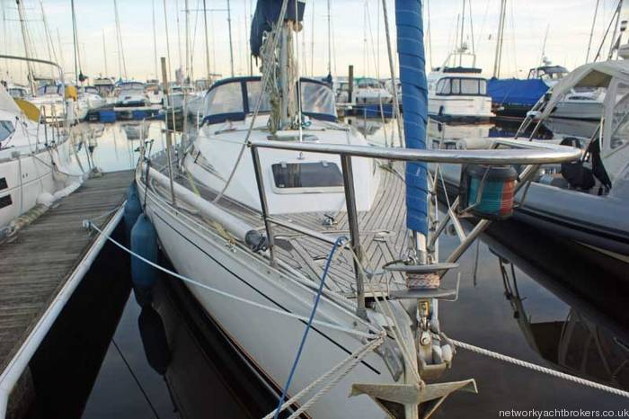 Beneteau First 375 Bow