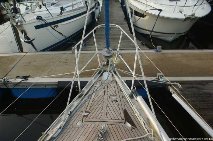 Beneteau First 375 Anchor locker