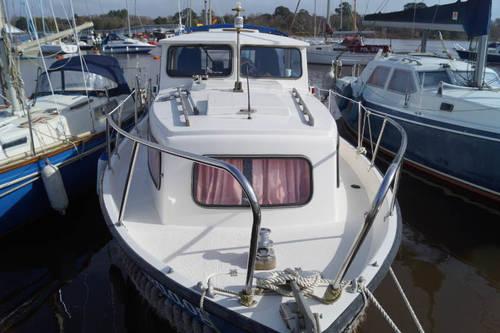 hardy 25 motor boat for sale in Lymington