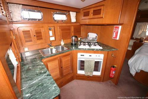 Trader Motor Yacht Hard
