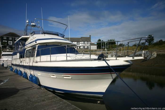 Trader Motor Yacht  2
