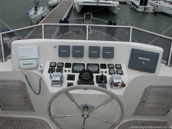 Trader Motor Yacht 8