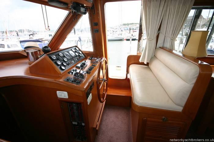 Trader Motor Yacht 6