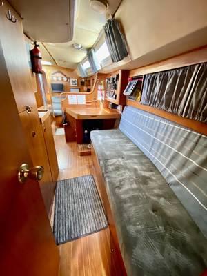 Moody 376 - Forward Cabin