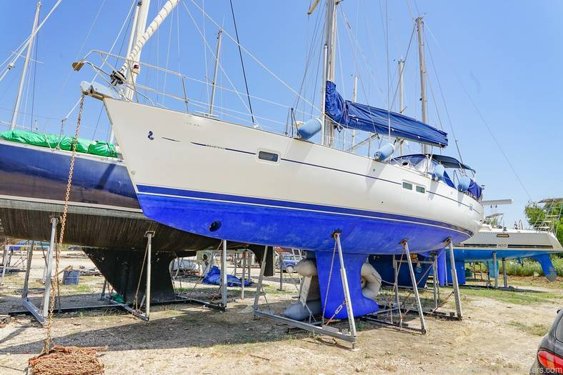 Beneteau 423 for sale with Network yacht brokers