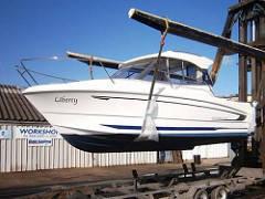 Beneteau Antares 680 (2012) £31,950 Network Yacht Brokers Neyland 01646 602 500
