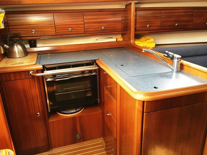 Bavaria 36 Network Yacht Brokers Milford Haven Pembrokeshire 01646 278270 Yachts.co Milford Haven Pembrokeshire 01646 278270