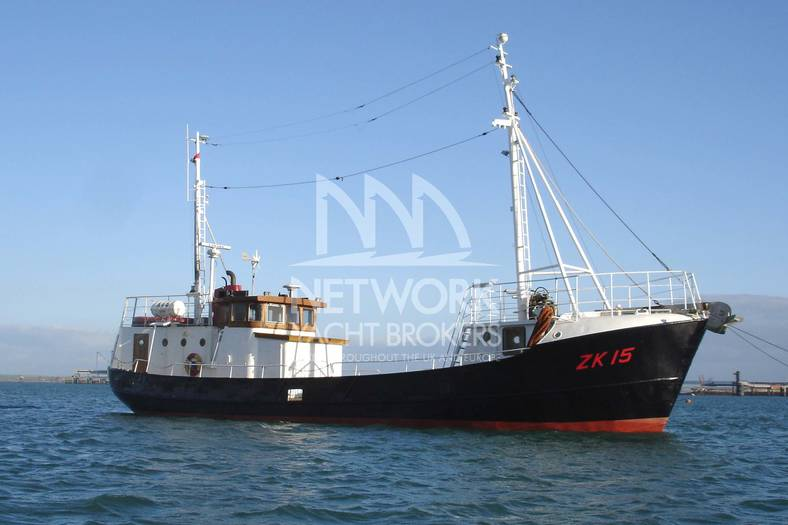 Charter_Motor_Yacht