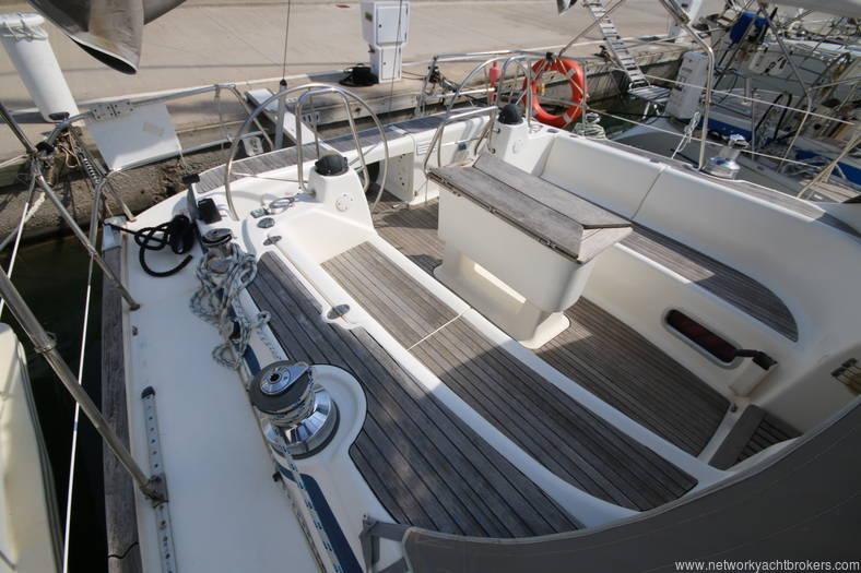 Bavaria 46 Yacht cockpit 4 in the marina