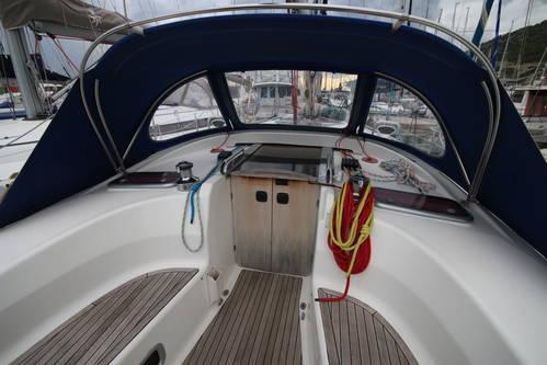 deck Bavaria 40 cruiser sprayhood