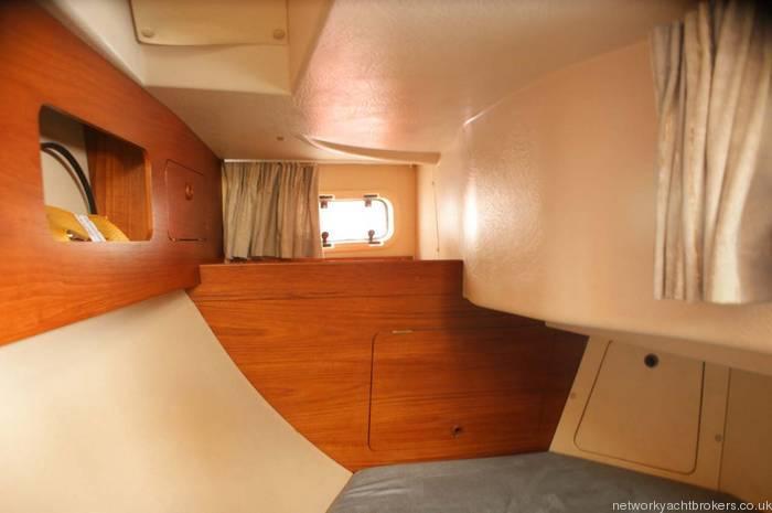 Moody Eclipse 33 rear cabin