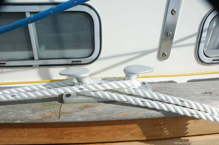 Fisher 31 motor sailor midship cleat