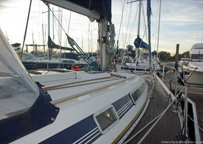 Beneteau First 375 Starboard deck