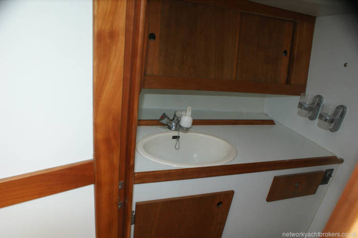 Maxi 1000 for sale in Lymington heads sink and vanity unit