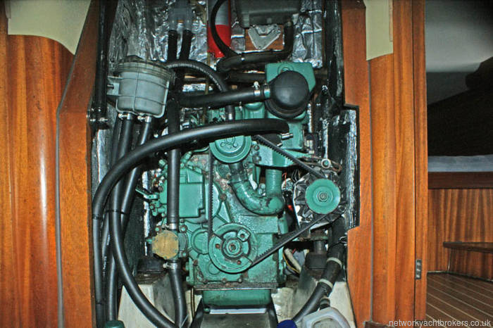 Elan 40 volvo 2040 engine