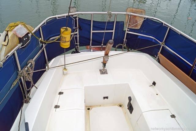 Cobra 850 28ft bilge keel sailing yacht for sale in lymington