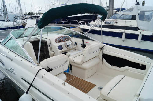 Sea ray 215 Express cruiser for sale in Lymington