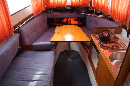 25ft motor yacht Hardy 25