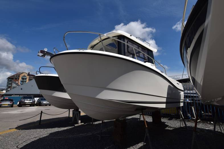 Quicksilver_605_Pilothouse___SMART_EDITION