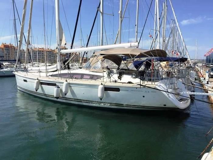 Jeanneau_53_Yacht