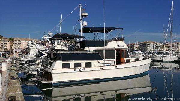 Grand_Banks_42_Motor_Yacht