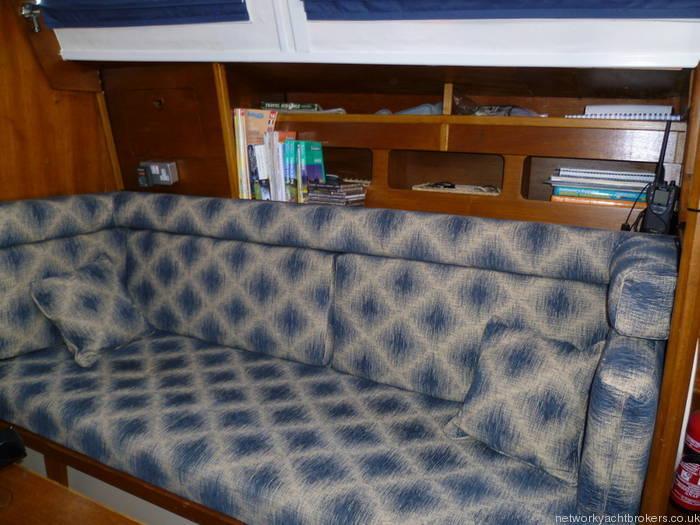 Moody 333 Starboard Settee