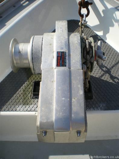 Moody 333 Electric Windlass