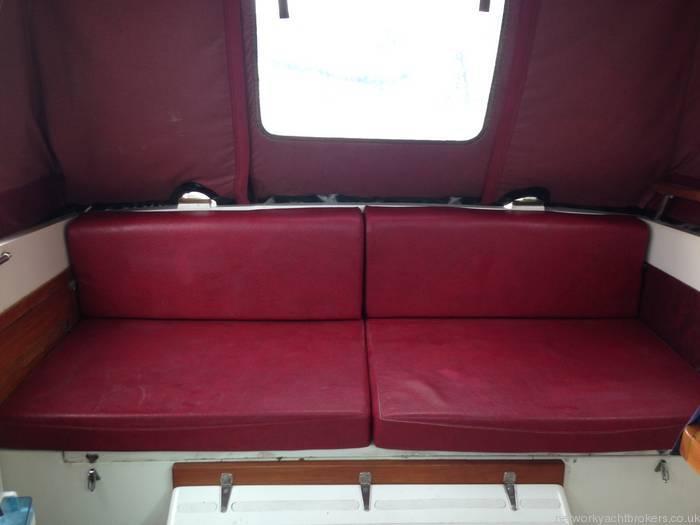 Princess 25 Cockpit Seating