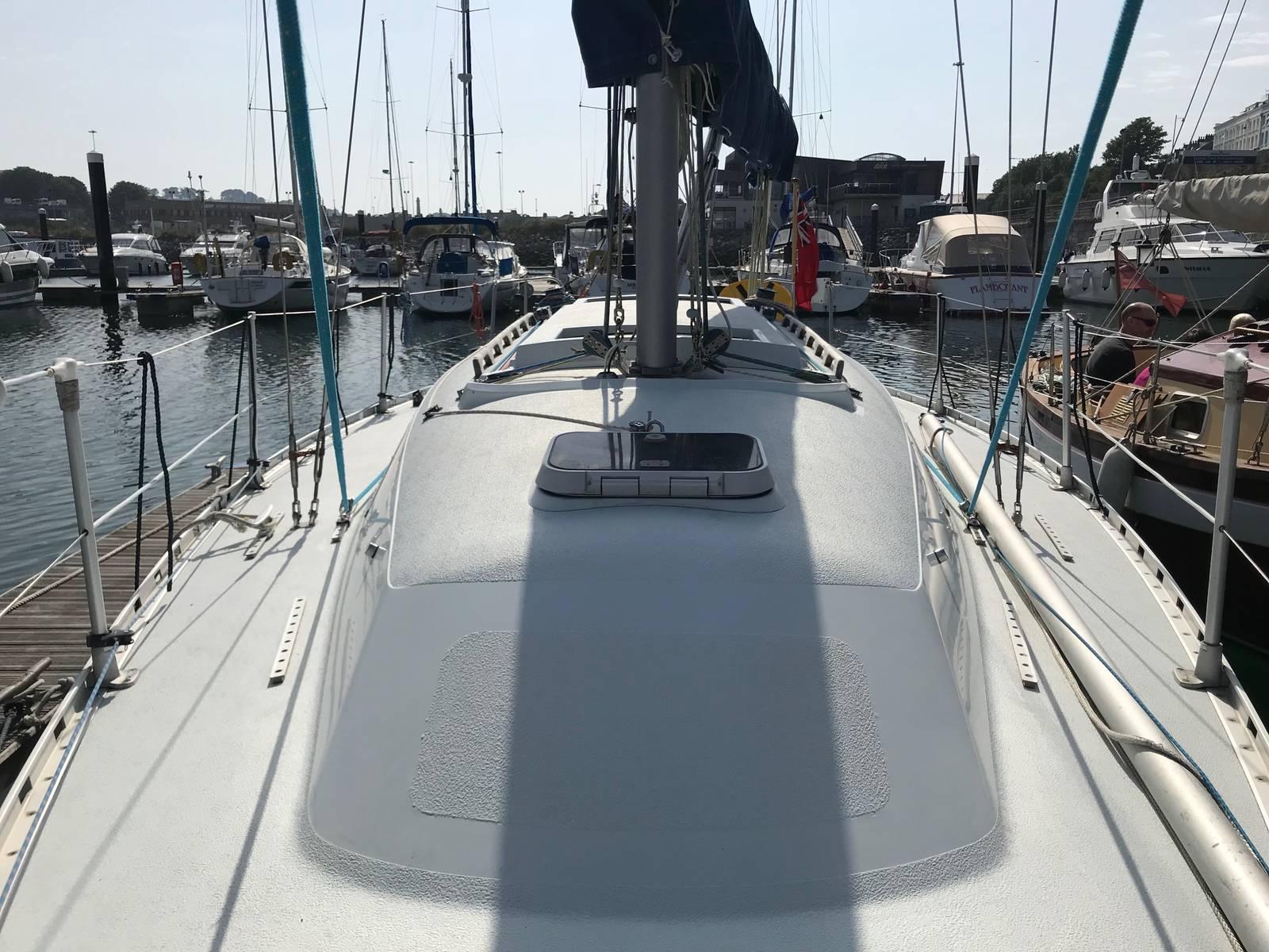 MGC 27 Yacht