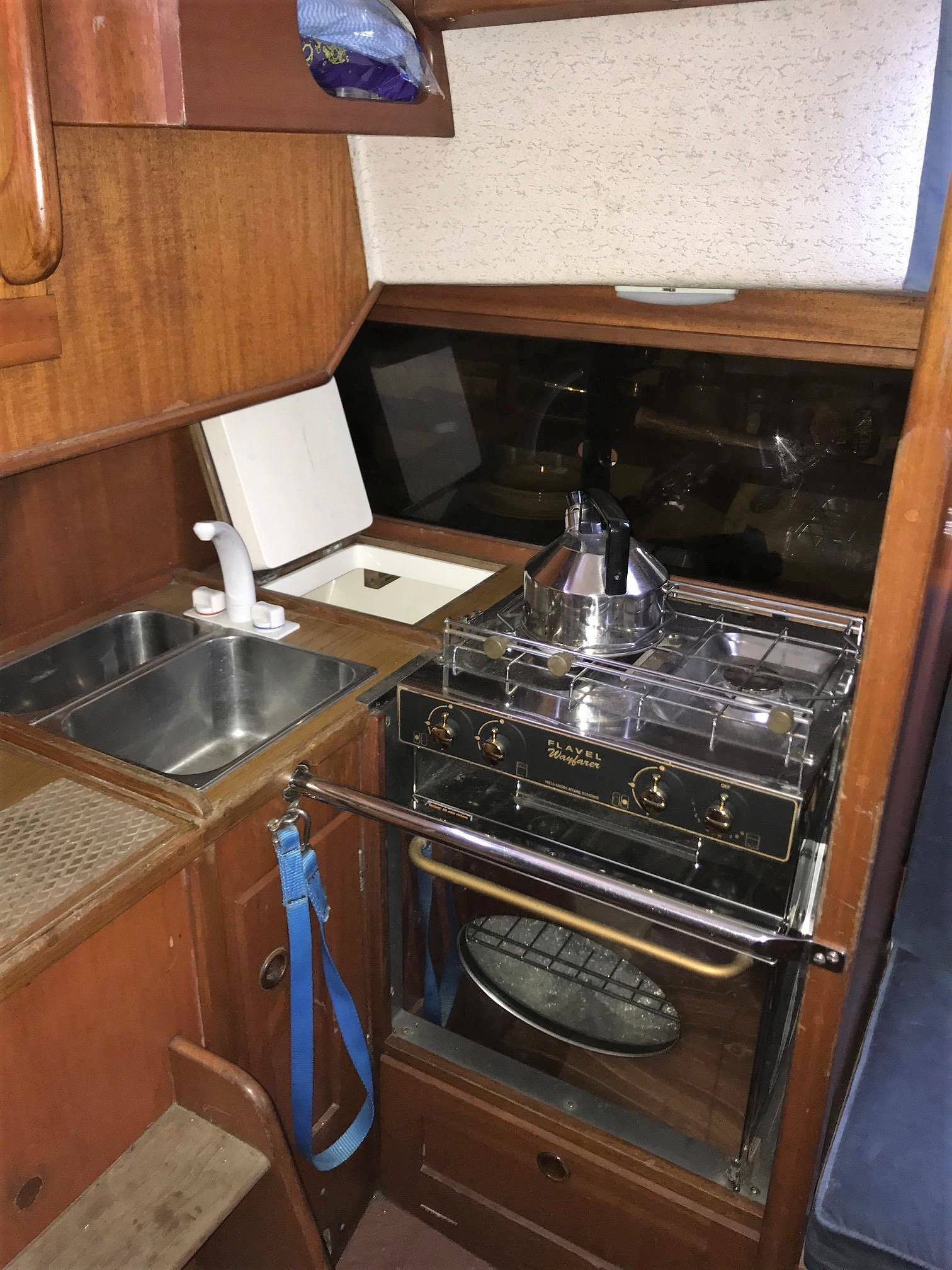 Hallberg Rassy 29 1989 Cruising Yacht For Sale In Plymouth