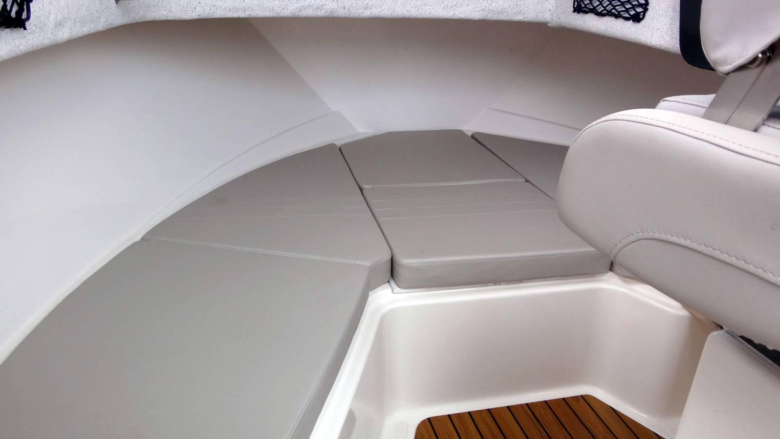 Quicksilver 605 Pilothouse