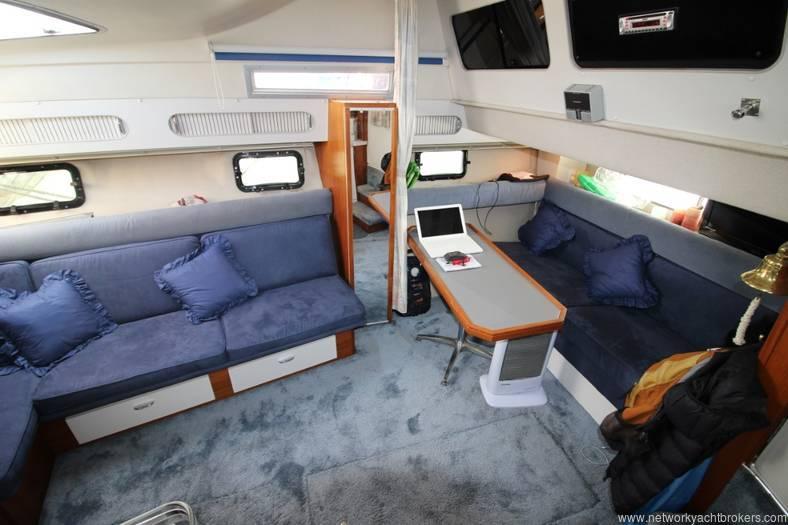 Cruisers Esprit 3370