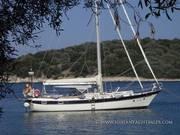 Caribbean_sailing_Yachts_CSY_44_walkover_Centre_Cockpit