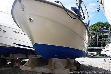 Bella 703 Motor Cruiser For Sale £19,950.00 Network Yacht Brokers Neyland Tel: 01646 602 500