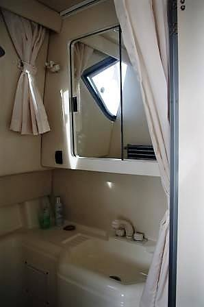 Bayliner 288 Discovery For Sale. Yacht.co Neyland Call 01646 602 500