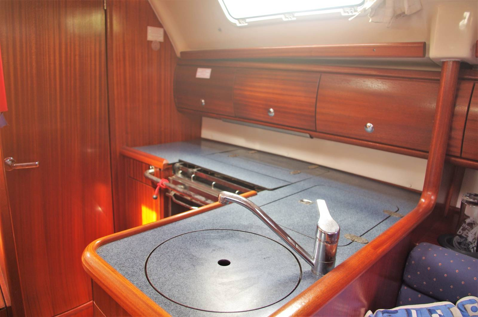 Bavaria Cruiser 32 For Sale. www.yachts.co Call: 01646602500