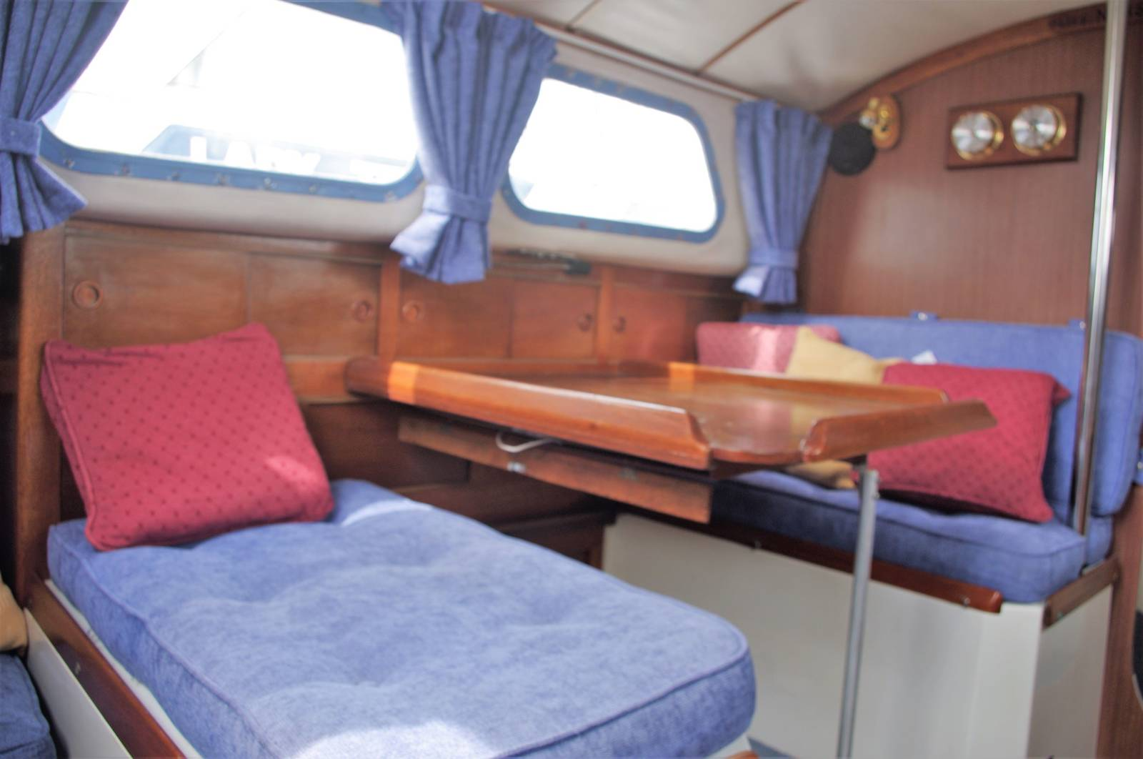 Westerly Centaur 26 For Sale. visit: www.yachts.co call: 01646 602 500