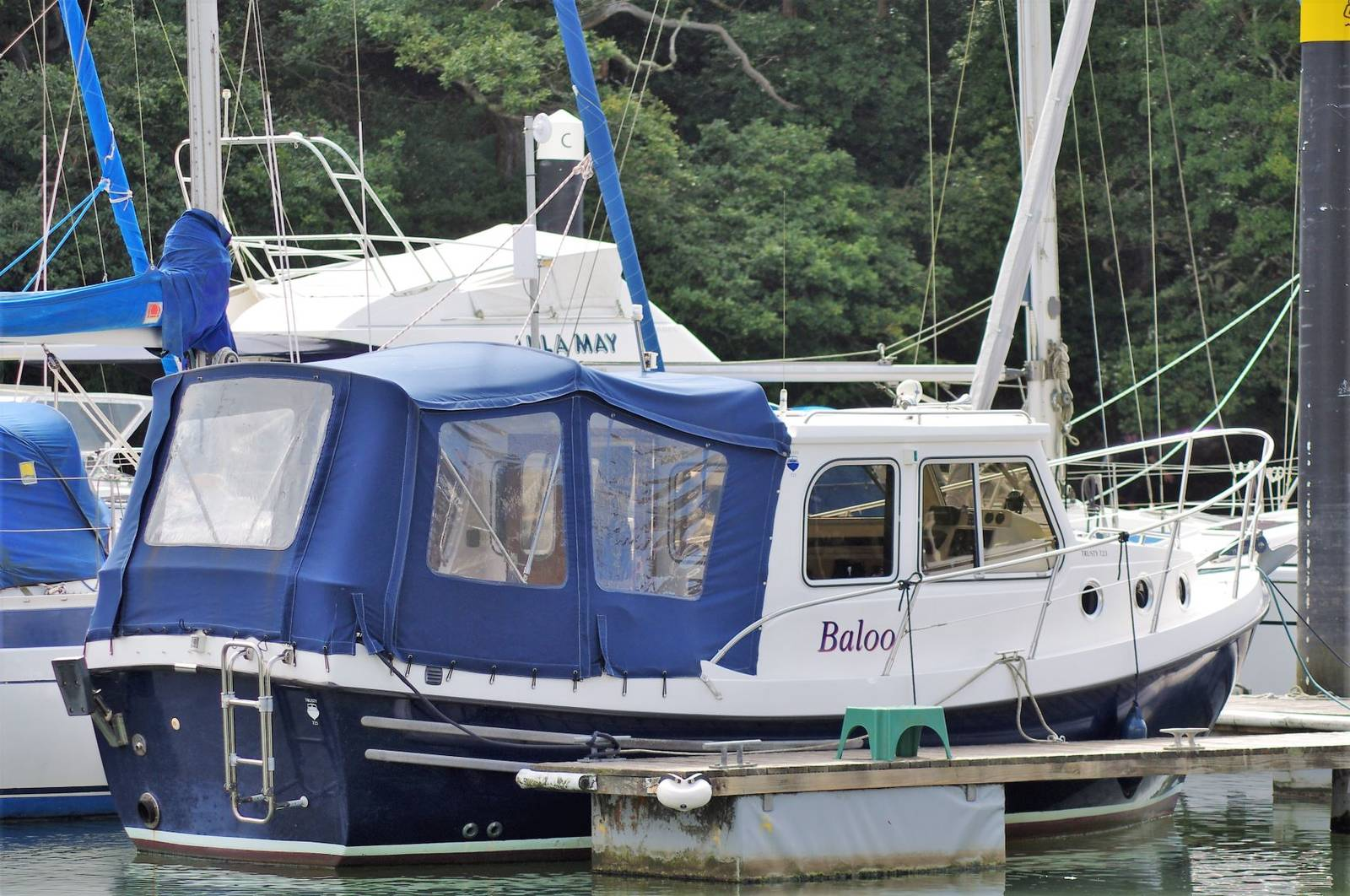 Trust T23 Boat for Sale (2007) at Yachts.co Neyland SA73 1PY visit: www.yachts.co Call: 01646602500 email: neyland@yachts.co
