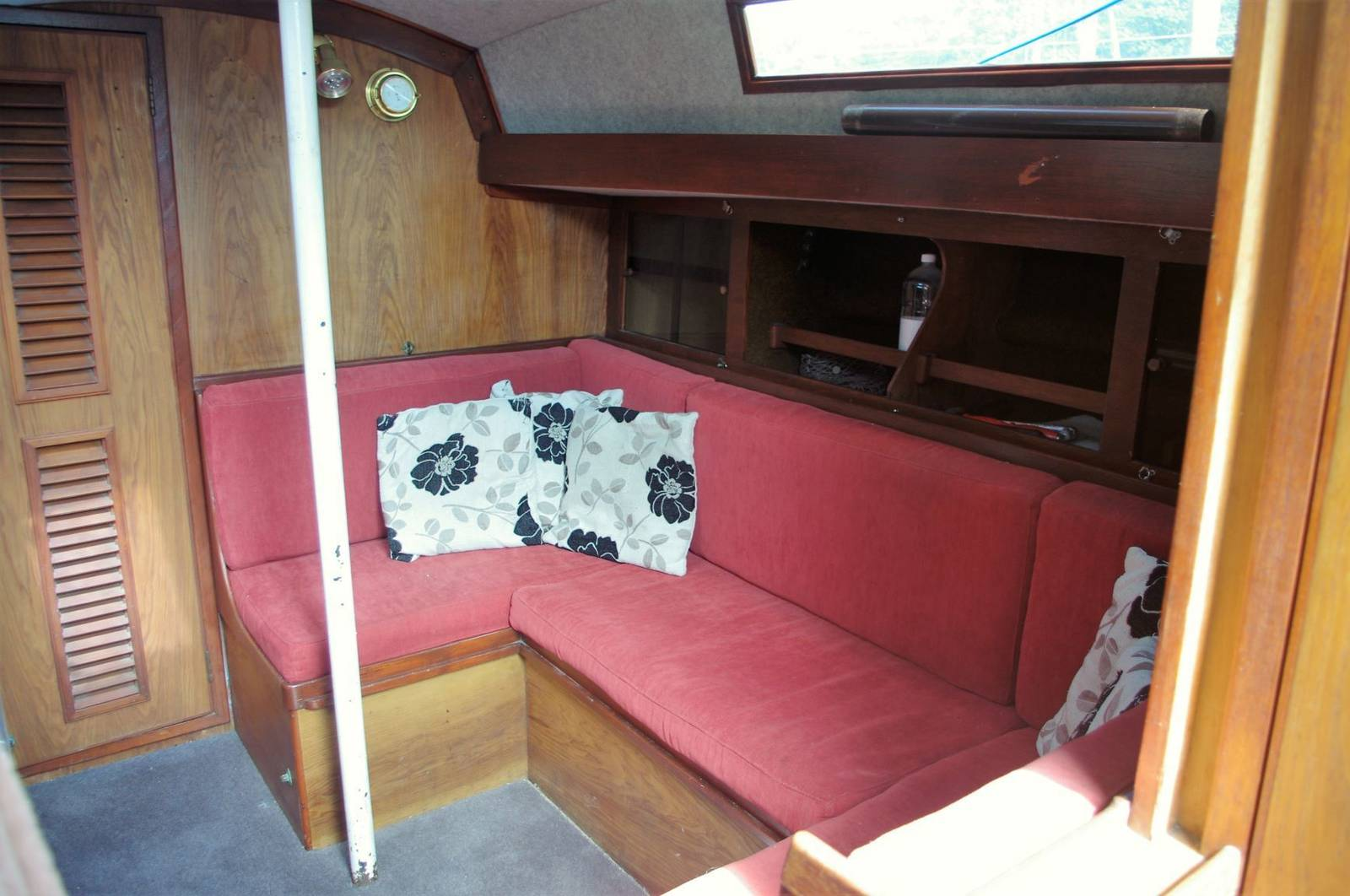 Stag 28 Cruising Yacht For Sale (1979) Yachrs.co Neyland Post Code: SA73 1PY Call 01646602500 visit: www.yachts.co