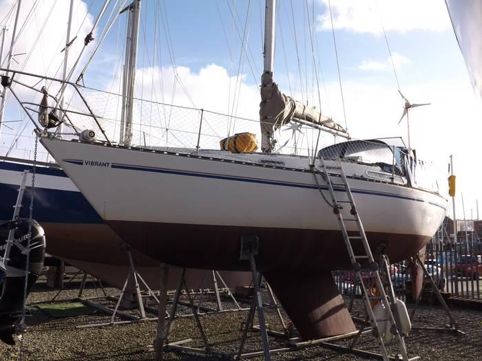 Sadler_Yachts_32_Fin_Keel