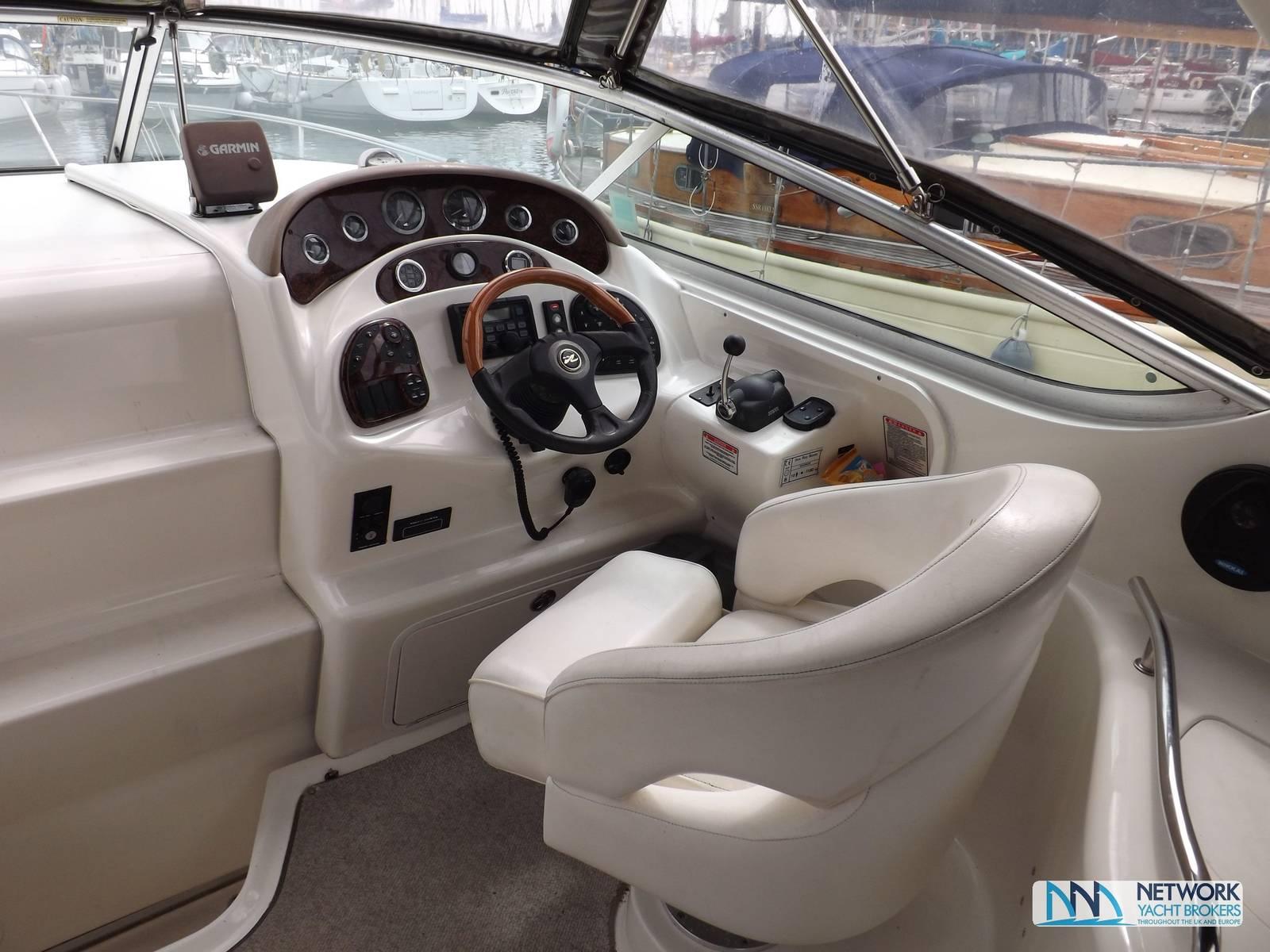 Searay Sundancer 280 - Network Yacht Brokers Milford Haven Pembrokeshire Yachts.co Milford Haven Pembrokeshire SA73 3AX - 01646 278270