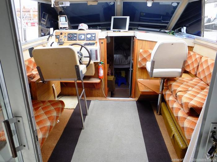 Princess 30 DS - Network Yacht Brokers Milford Haven