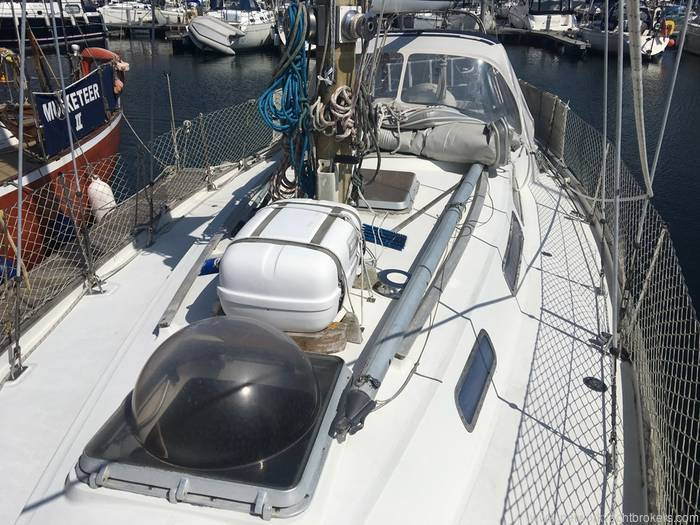 Nicholson 35 Network Yacht Brokers Milford Haven Pembrokeshire 01646 278270