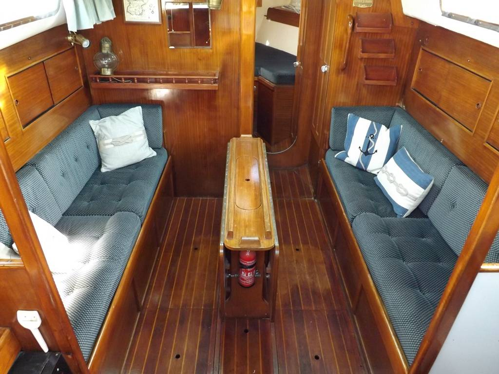 Westerly 33 Ketch Network Yacht Brokers Milford Haven Pembrokeshire 01646 278270