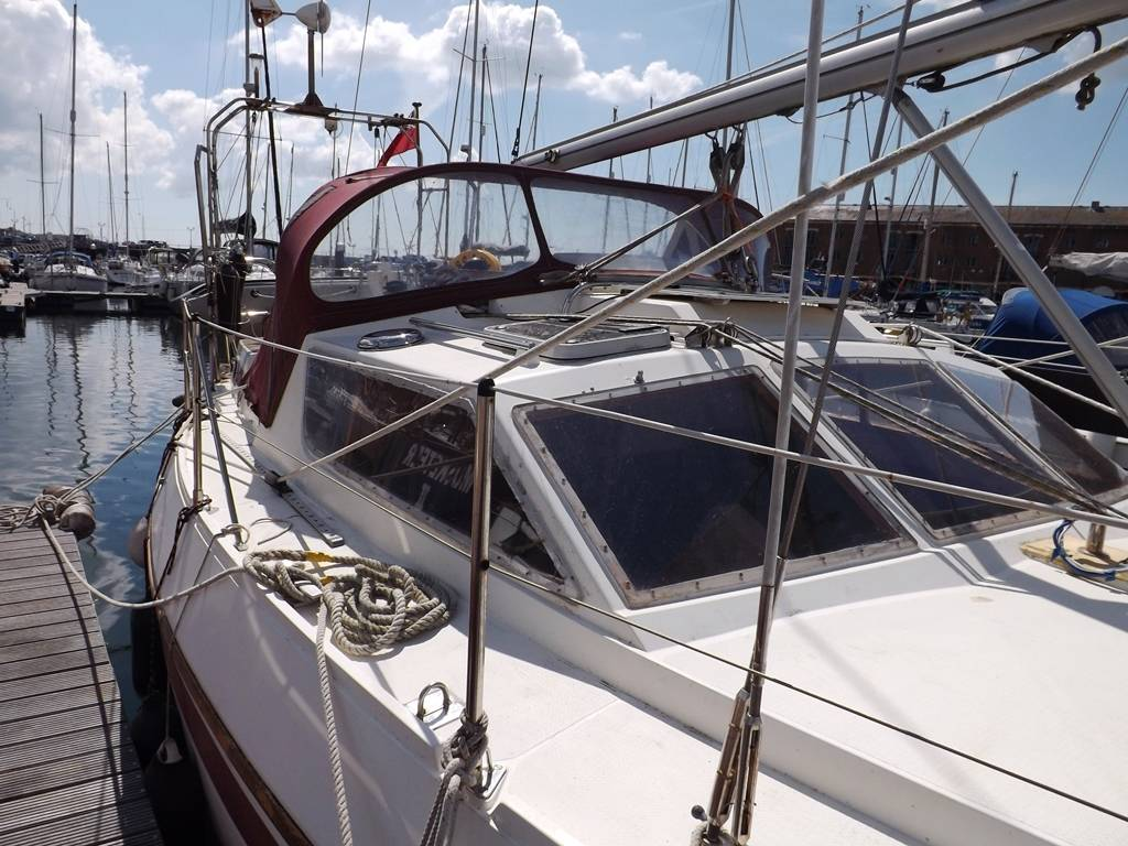 Southerly 115 Network Yacht Brokers Milford Haven Pembrokeshire SA73 3AX 01646 278270 Yachts.co Milford Haven Pembrokeshire SA73 3AX 01646 278270
