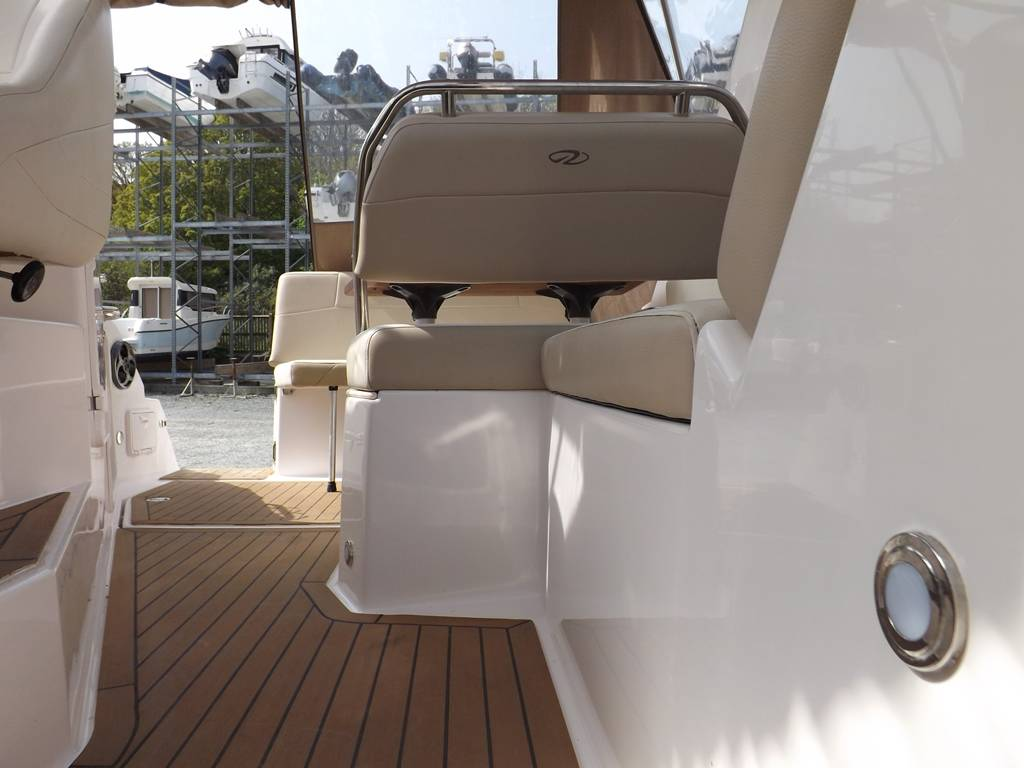 Regal 2565 Network Yacht Brokers Milford Haven Pembrokeshire 01646 278270 Yachts.co Milford Haven 01646 278270 Yacht Brokers Milford Haven Pembrokeshire 01646 278270