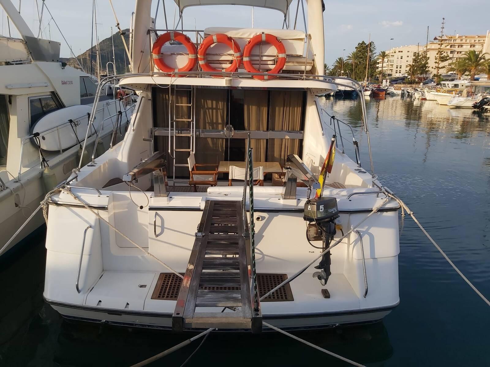 Full back Princess Motor Yacht